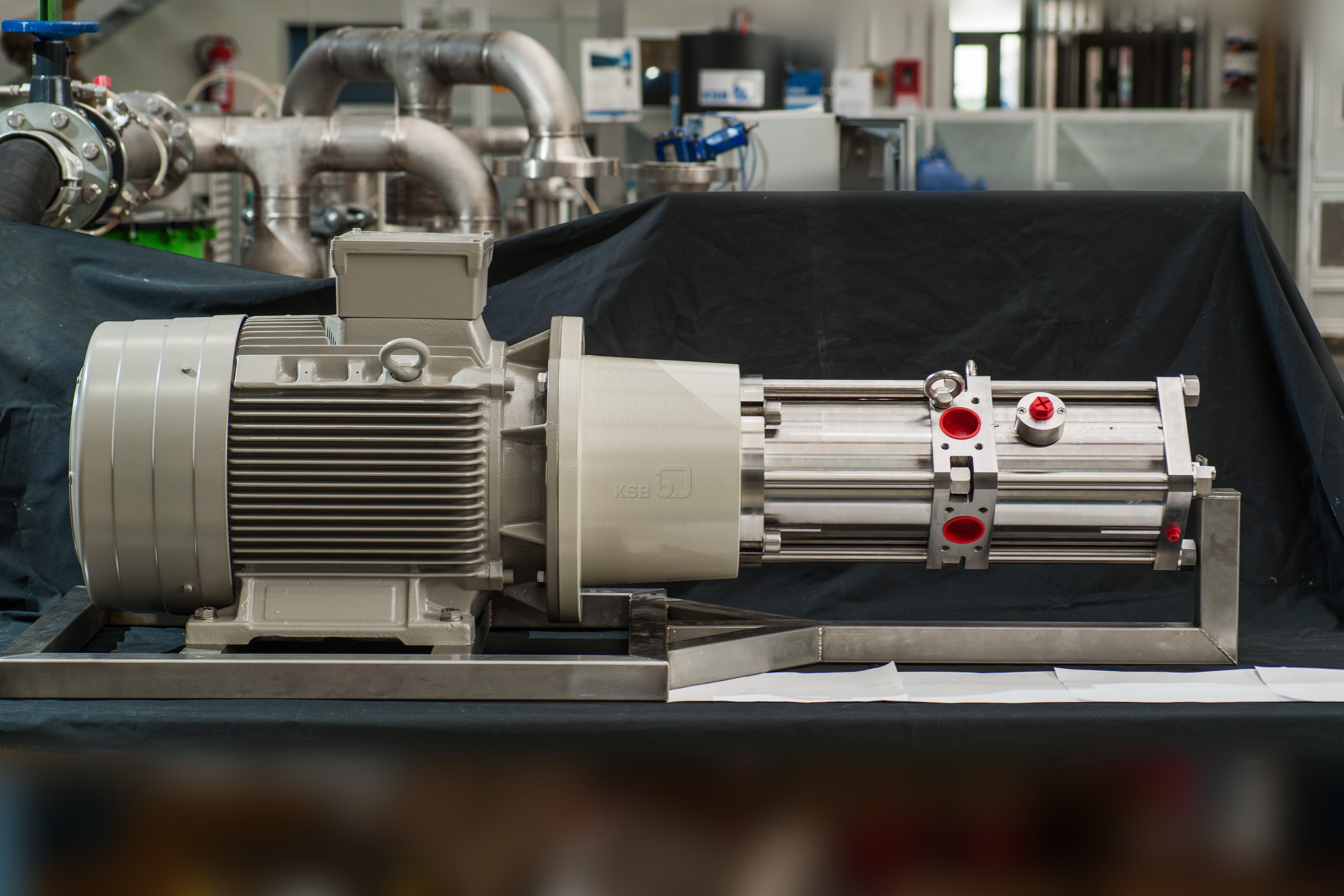 New system lowers costs of seawater desalination