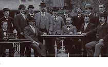 Historyczne zdjęcie pracowników KSB